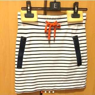 🚚 006 正品 mango 海軍風條紋白色膝上裙