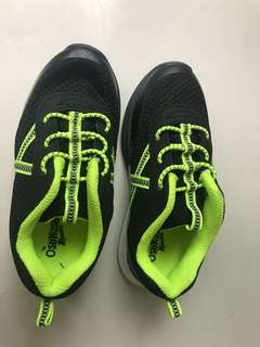 🚚 Oshkosh 童鞋 全新 US11