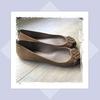 Repriced! 100% Authentic Tory Burch Mini Miller Flats in Royal Tan