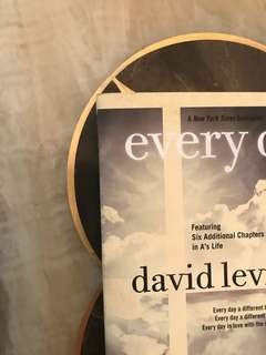every day (A New York Times Bestseller)