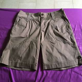 BNWT woman Bermudas - XL