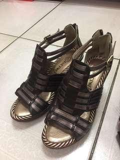 🚚 Ancaweii- 棕色真皮楔型涼鞋 (23.5號)