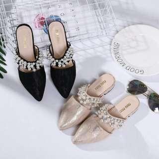 Sepatu Flat wanita Miu Miu