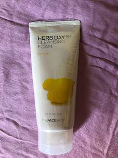 Herb Day Cleansing Foam Lemon (170ml)