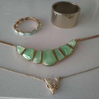 Gold jewellery bundle
