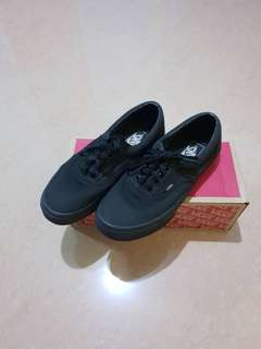 Preloved Vans All Black