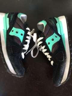 Saucony  S1108-615 Women's Shadow Original Classic Retro Sneaker