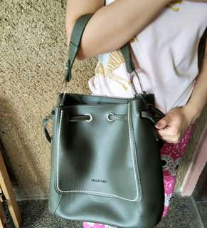 Belladona bag with pouch included