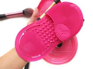 SIGMA Spa express brush cleaning glove brush egg pink pembersih kuas makeup
