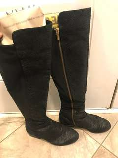 Micheal Kors Knee high boots