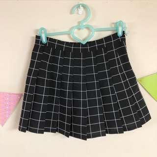 🚚 黑色格子百褶裙(內建安全褲)