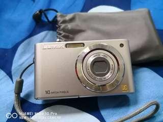 Lumix Camera (PANASONIC)