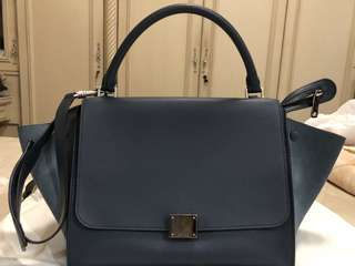 ❗️AUTHENTIC ORIGINAL❗️Céline Trapeze Bag in Navy