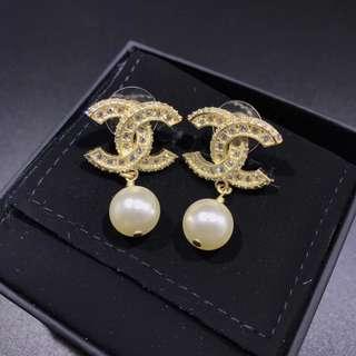 Chanel cc 珍珠耳環