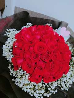 Red Roses Bouquet / flower bouquet