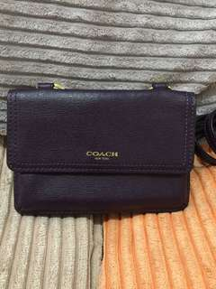 COACH SLING WALLET AUTHENTIC MINT CONDITION