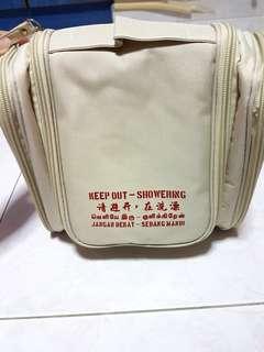 BN travel toiletries bag