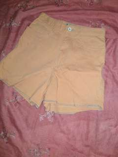 Hot pants peach