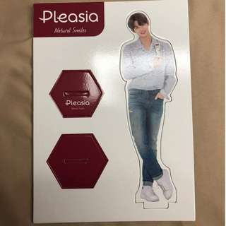[WTT] WANNA ONE PLEASIA STANDEE