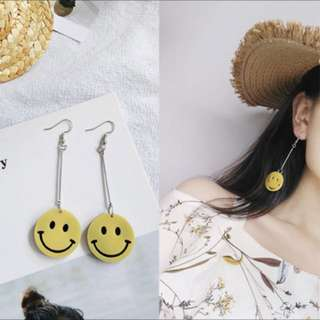 😄 INSTOCK Yellow Dangly Smiley Face Earrings