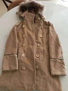 Fur cape beige trench coat
