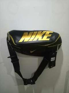 Tas Selempang Nike Pria