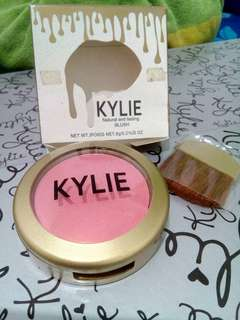 New KYLIE natural and lasting Blush
