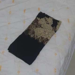 🚚 黑色絲巾 紫色絲巾