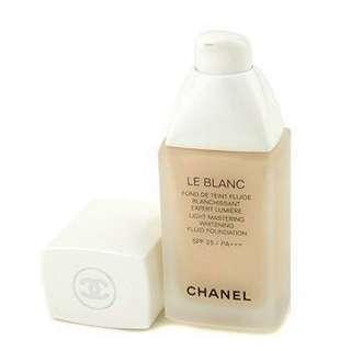 Chanel Le Blanc Light Mastering Whitening Fluid Foundation SPF 25