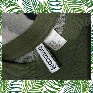 H&M DIVIDED army green sweatshurt