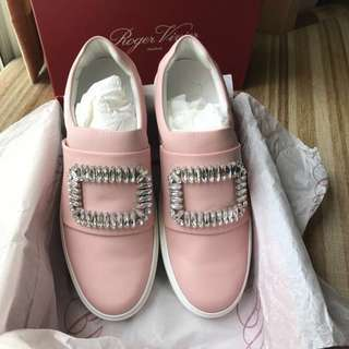 ✨special offer ✨99%新Roger Vivier sneaker with crystal buckle『Size: 39』