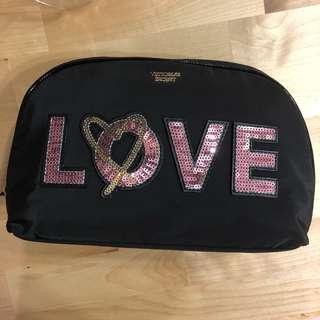 🚚 絕版Victoria's Secret 維多利亞的秘密LOVE化妝包