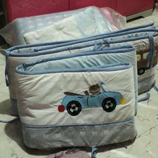 Repriced!!!! Bedding set for crib