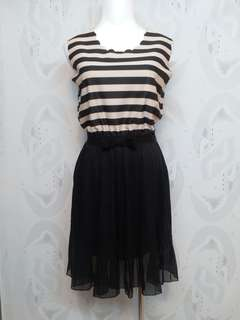 🚚 MAYUKI 米黑條紋無袖連身洋裝