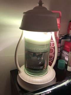 Yankee Candle-Warmer+Vanilla Lemon- Just used Once!!!!-Altogether 70$, comes with box and an extra warmer 💡-Self collection Only!