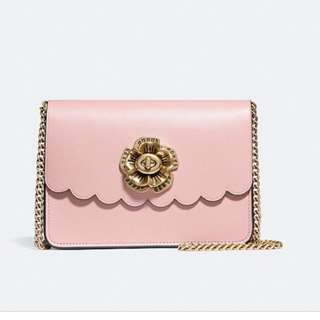 Coach bowery crossbody with tea rose turnlock (Preorder)