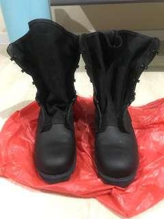 SAF boots