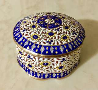 Porcelain benjarong jewellery box