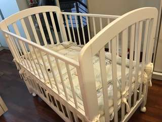 Solid Wood Baby Cot including Latex Mattress and Bed Side cover