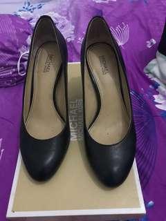 MK pump heels