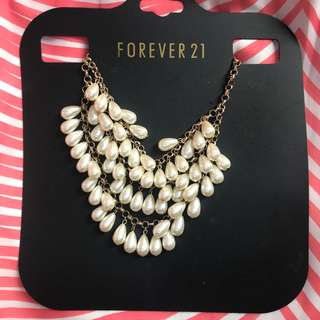 Forever 21 Pearl Tear Drop necklace