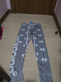 Adidas leggings (USED NOT NEW!!!)