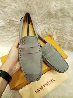 Sepatu loafers pria, premium quality (import). Sebelum order konfirmasi stock dan sizenya dulu ya...
