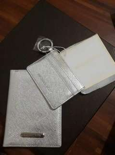 MICHAEL KORS PASSPORT AND CARD HOLDER