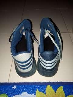 Jual Sepatu basket Adidas dan Bola Basket