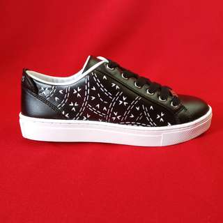 GUESS black patterned shoes NEW