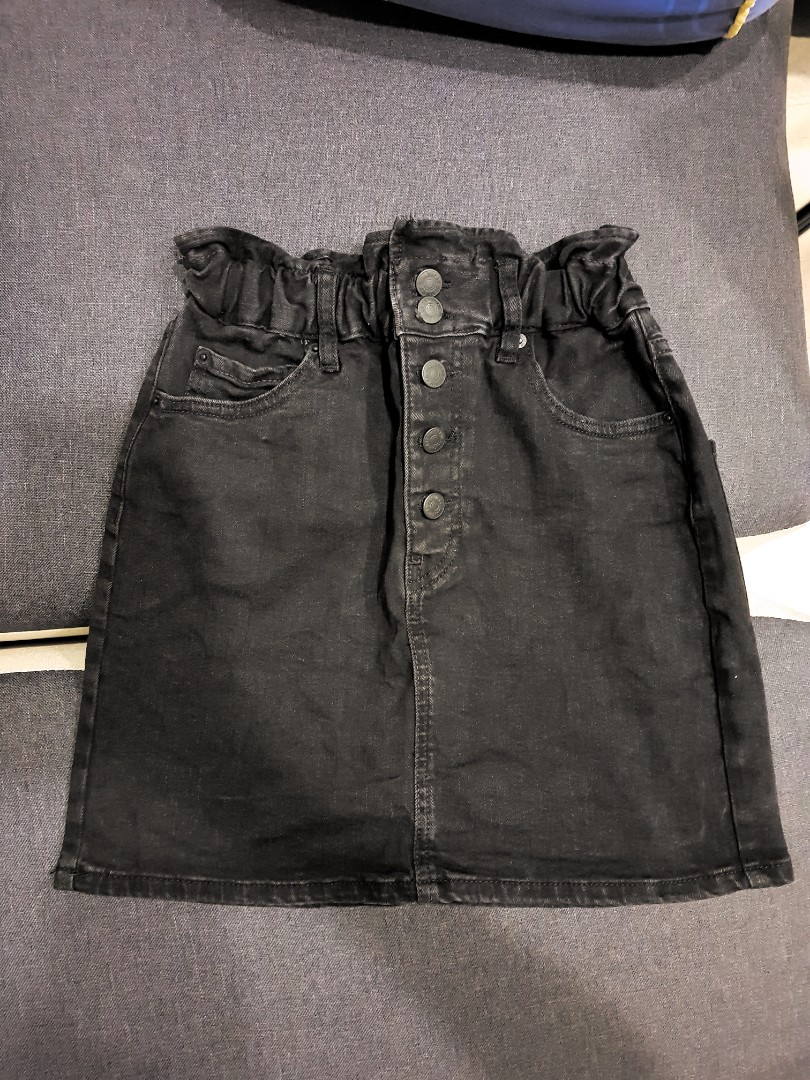 a0c605f2c013 Pull & Bear Denim Button Up Mini Skirt, Women's Fashion, Clothes ...