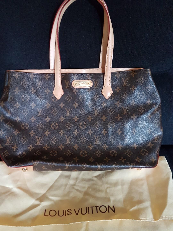 f0edace6deb1e2 Louis Vuitton, Women's Fashion, Bags & Wallets on Carousell