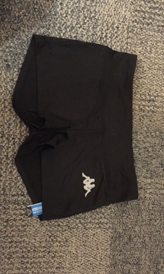 New kappa shorts (small)
