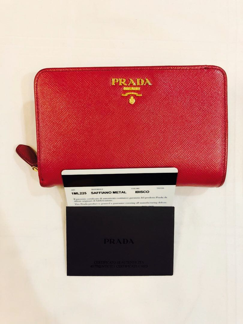 5843518bffd180 Prada Saffiano Wallet, Luxury, Bags & Wallets, Wallets on Carousell